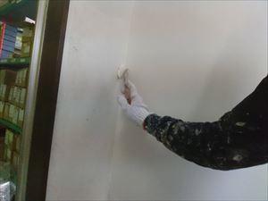 トイレ壁継ぎ目パテ補修