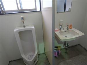 トイレ壁塗装工事完了