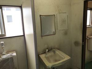トイレ壁塗装前