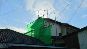 群馬 塗装 外壁 屋根 足場とメッシュ設置