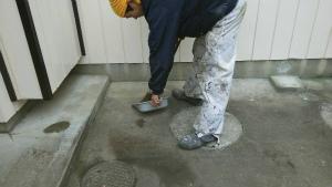 群馬 塗装 外壁 屋根 清掃中