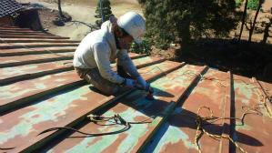 群馬 前橋 塗装 屋根ケレン作業