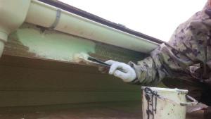 安中市原市A様邸 付帯部塗装破風板下塗り