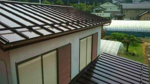 利根郡昭和村Y様邸 物置屋根の塗装完成