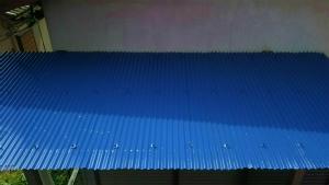 利根郡昭和村Y様邸 波板トタン屋根の上塗り完成