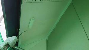 前橋市総社町K様邸 軒天の下塗り作業