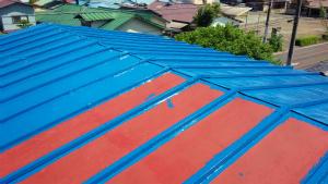 桐生市東久方町I様邸 屋根の塗装上塗り