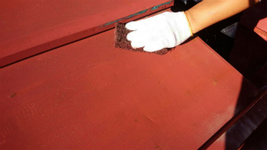 利根郡片品村H様邸 物置屋根塗装ケレン