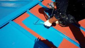 利根郡片品村H様邸 屋根上塗り作業②