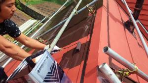 利根郡片品村K様邸 屋根塗装ローラー上塗り