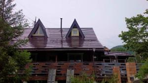 利根郡片品村K様邸 外壁と屋根塗装完成1