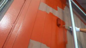 利根郡片品村K様邸 屋根の塗装ローラーでサビ止め1