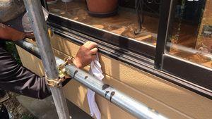 桐生市新里町K様邸 塗装後のサッシの清掃