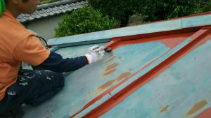 前橋市青梨町M様邸 トタン屋根刷毛で塗装
