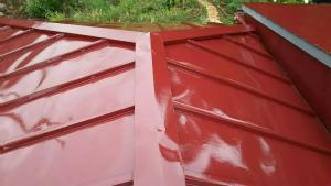 前橋市青梨町M様邸 トタン屋根塗装完成1