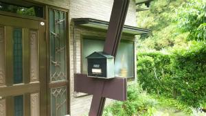 前橋市青梨町M様邸 玄関塗装完成1