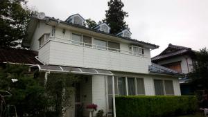 沼田市岡谷町M様邸 外壁・屋根塗装前 斜め