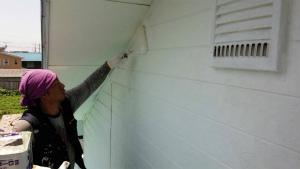 沼田市岡谷町M様邸 外壁下塗り作業