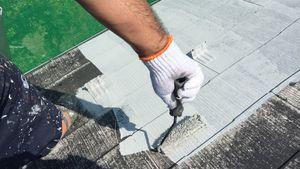 茨城県古河市S様邸 屋根塗装下塗り1回目作業中