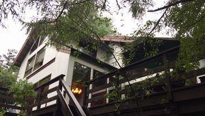 長野県軽井沢町S様邸 外壁・屋根塗装前斜め