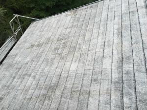 長野県軽井沢町S様邸 屋根塗装下塗り1回目の後