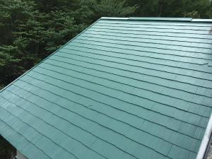 長野県軽井沢町S様邸 屋根塗装上塗り1回目