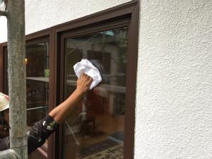 長野県軽井沢町S様邸 窓拭き作業
