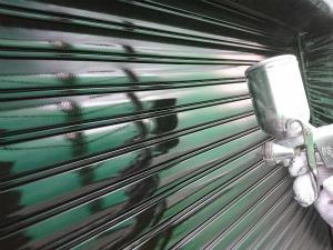 伊勢崎市喜多町T様邸 雨戸吹付塗装上塗り