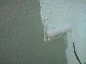 前橋市大手町マンション 外壁下塗り作業