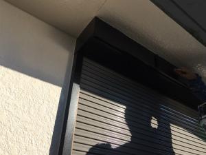 桐生市新里町N邸 シャッターボックス窓枠上塗り