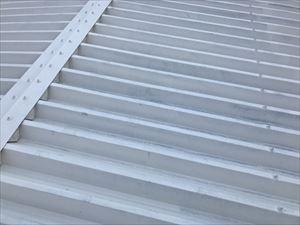 高崎市飯塚町M様折半屋根錆止め塗装後