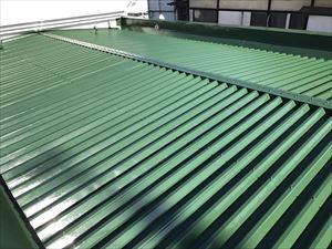 高崎市飯塚町M様折半屋根塗装完成