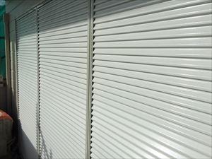群馬県前橋市S様邸雨戸塗装完成