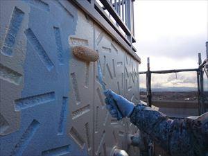前橋市日輪寺町F様邸外壁中塗りローラー