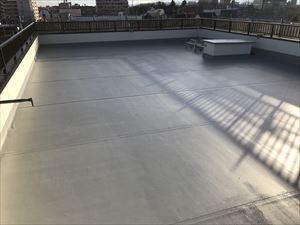 太田市飯田町商業ビル屋上屋根防水塗装完成