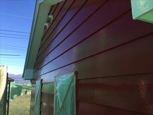 前橋市鶴ケ谷町H様邸外壁塗装中塗り作業②