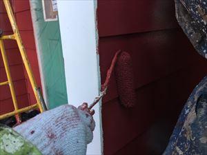 前橋市鶴ケ谷町H様邸外壁塗装上塗り作業