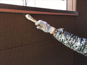 邑楽郡大泉町Aアパート様1F通路外壁下塗り刷毛