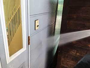 前橋市関根町Y様邸屋根洗浄玄関ドア