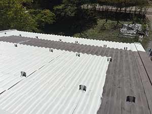 軽井沢町金属屋根下塗り2