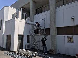 前橋市若宮町S様ビル屋上防水工事の仮設足場設置2