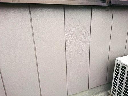 金属サイディングのへこみ補修と塗装 後