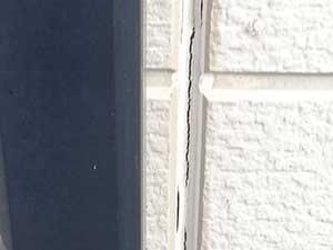 外壁目地コーキング割れ