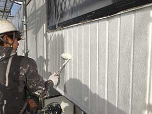 ベランダ外壁下塗り