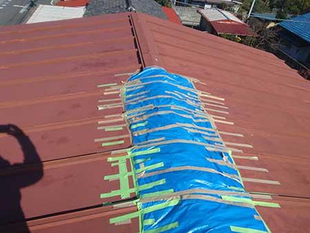 強風による 棟板金 応急措置
