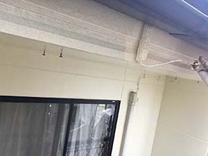 高崎市アパート 破風板の上塗り