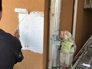 藤岡市 外壁塗装 下塗り