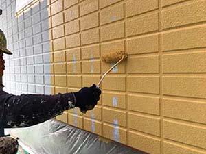 高崎市アパート 1階の外壁中塗り