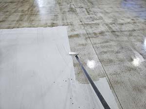 太田市 倉庫内 床塗装下塗り