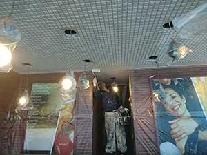 ケンタッキー 室内天井塗装